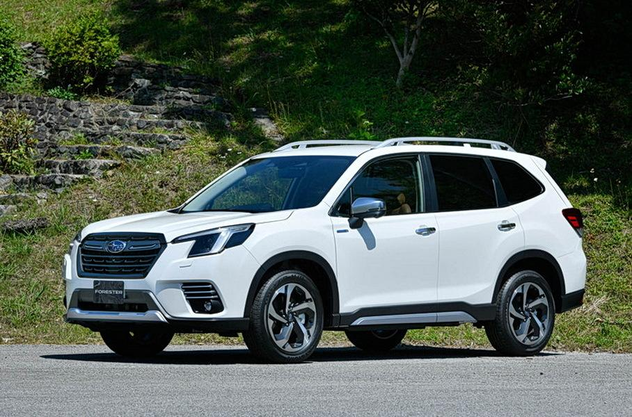 When Subaru revealed its fifth-gen Forester SUV in 2018, it did so in the United States first (watch the video for a reminder). In contrast, the facelifted version has now been unveiled in Japan, and pre-orders have already started on that market.