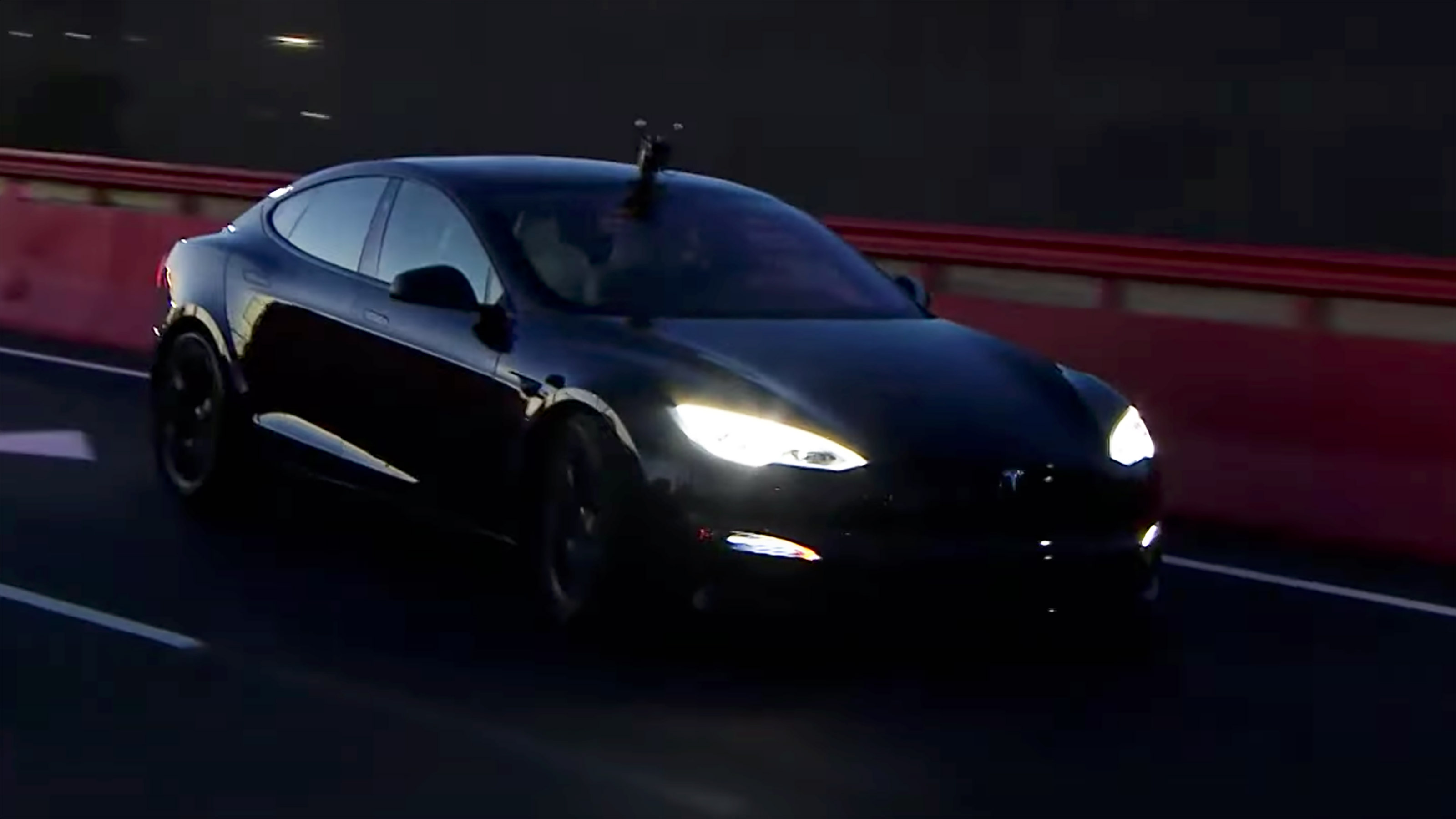A few days after unveiling the top-of-the-line Model S Plaid, Tesla filmed a video at a premiere in Fremont where the car seemed to have launched 0-60 mph within the promised time of 1.99 seconds.