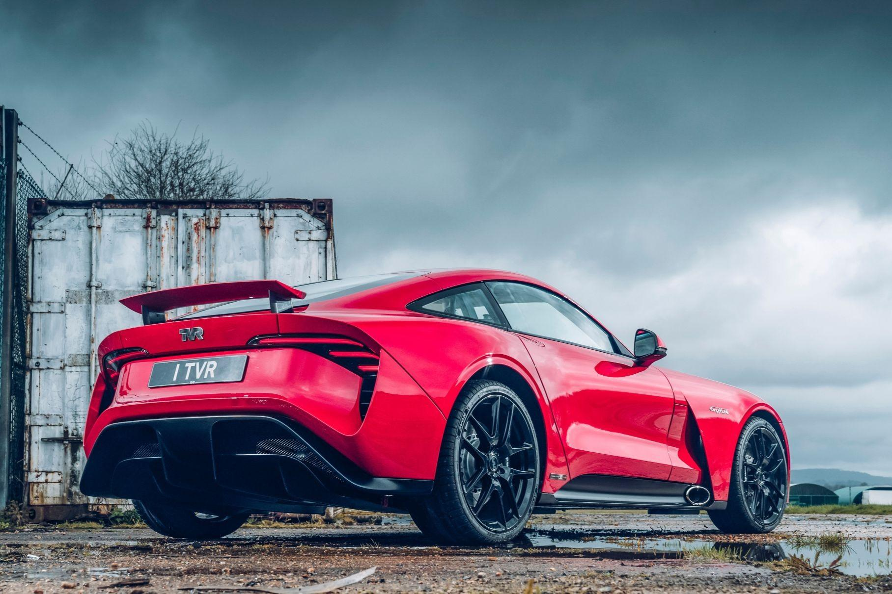 TVR announced its Griffith sports car four years ago, but the carmaker is still looking for investment to begin the production. It is now official that the car will have a hybrid and an all-electric version when (if?) it ships.