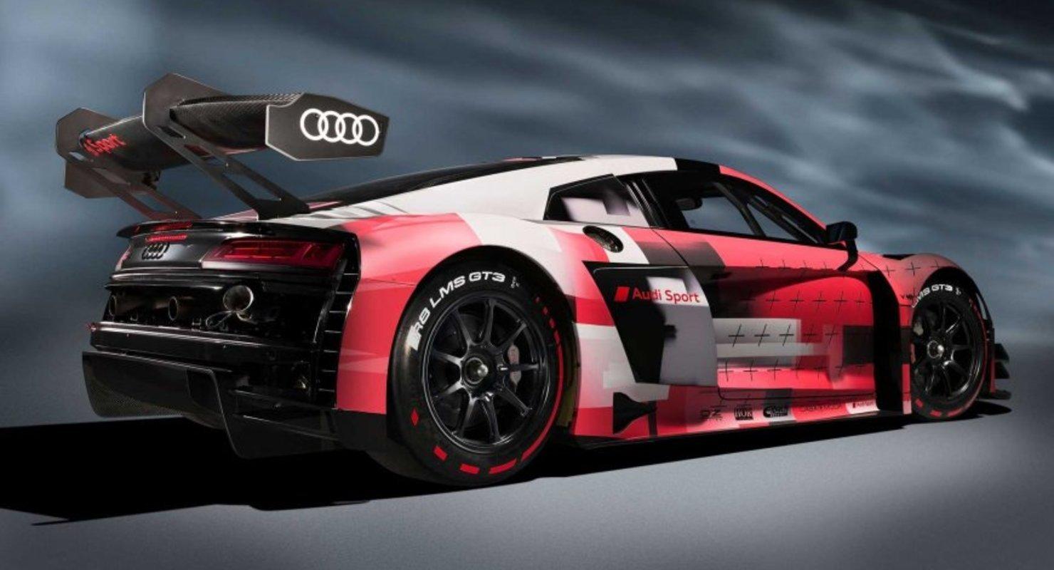 Audi R8 LMS GT3 Evo II – это второй рестайлинг болида R8 LMS, дебютировавшего шесть лет назад: первая модернизация (см. видео) прошла в 2018 году.