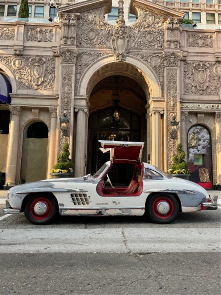 This 65-year-old Mercedes-Benz 300 SL Coupe could have been worth substantially more than U.S. $1,395,000 if it had not been for its rundown condition.