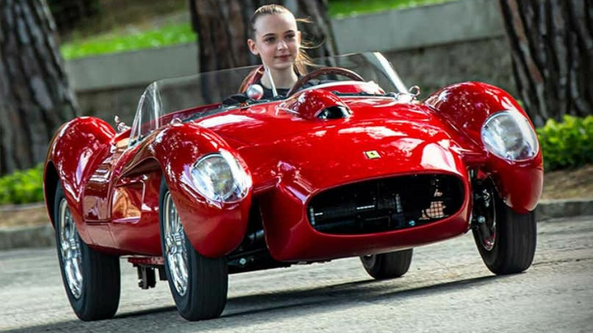 Little Car Company has announced the release of a downsized replica of the iconic Ferrari 250 Testa Rossa for children. It is 1/4 smaller than the original (watch the video and compare with the pictures), based on OEM blueprints, and authorized by Ferrari.