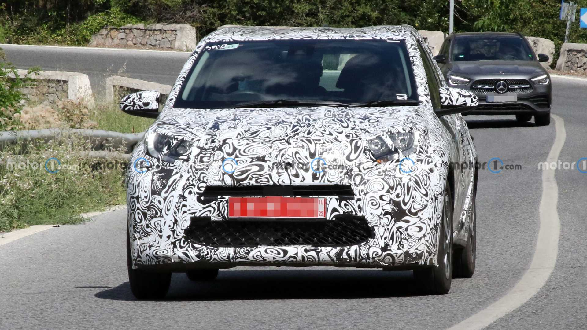 A pre-production example of the new Aygo was first spotted on the roads this winter, and in March, Toyota officially confirmed working on it. Some new photos were made this week, so let's have a look.