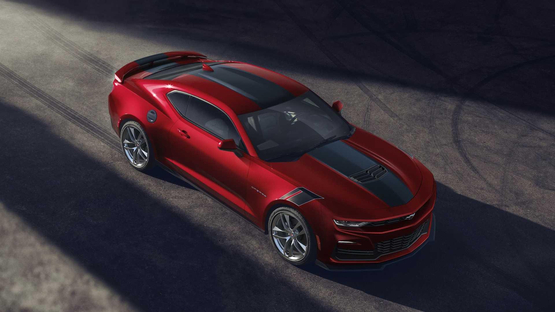 Накануне стало известно, что судьба Chevrolet Camaro может оказаться не такой, как ожидает большинство людей. Как сообщает Automotive News, легендарное купе заменят новым электрическим седаном.