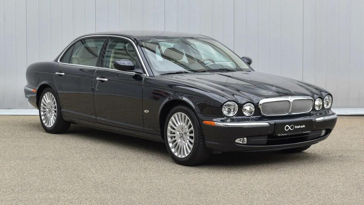 В российском Ставрополе продаётся Jaguar XJ 2007 года: седан с «растянутой» колёсной базой проехал за свою жизнь только 4988 км.