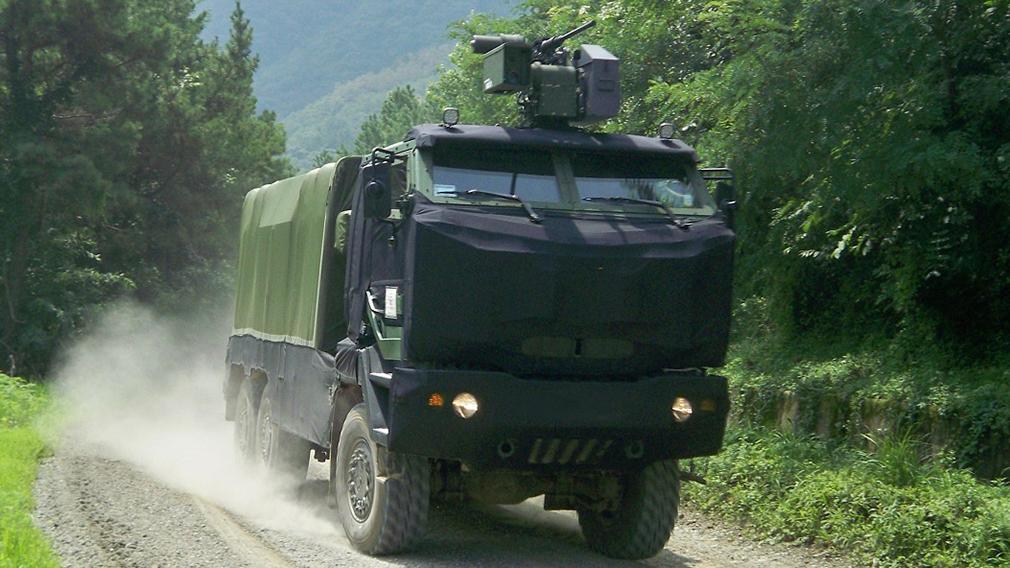 Марка Kia вслед за Hyundai намерена развивать транспорт на водородной тяге, но это произойдёт позднее. Korean Car Blog со ссылкой на босса компании Хо Сонг Сона утверждает, что сначала Kia оснастит топливными элементами военную технику.
