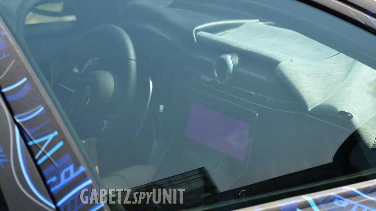 Мы увидим новый Maserati Grecale до конца 2021 года. Компания объявила, что покажет автомобиль в ноябре, но уже сегодня мы имеем возможность заглянуть в интерьер.