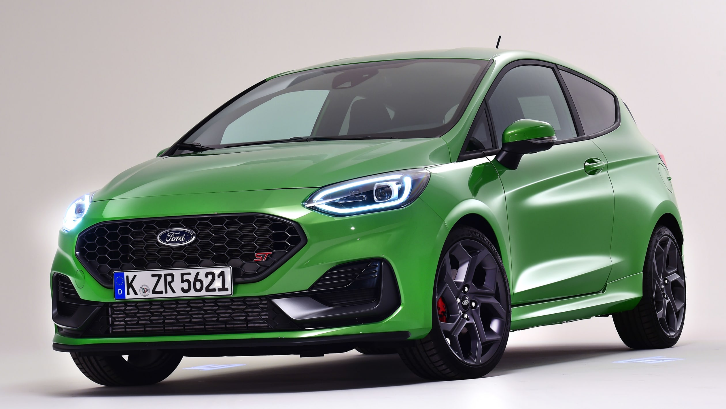 After four years of production, Ford Motor Company has modernized the seventh generation of the Fiesta hatchback for Europe.
