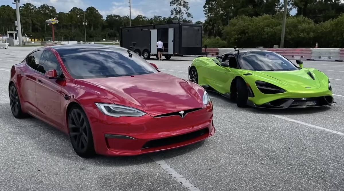 The race everyone hoped for has finally taken place: a Tesla Model S Plaid, the world's fastest-accelerating production car, has taken on the magnificent McLaren 765LT on a quarter-mile track.