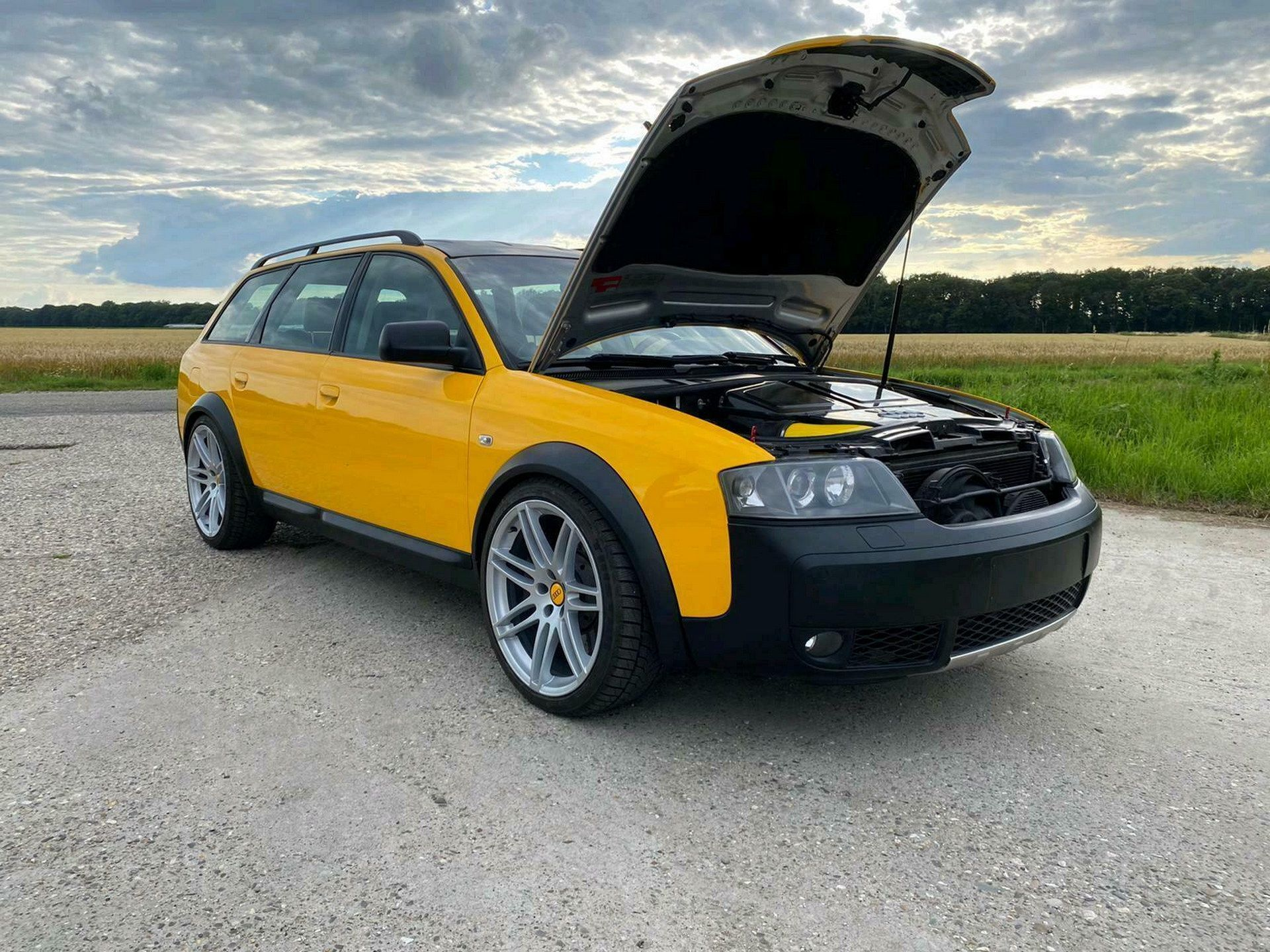 The improvised, homegrown Audi wagon has been built from two cars, and is now on sale with a top bid just under €18,000.