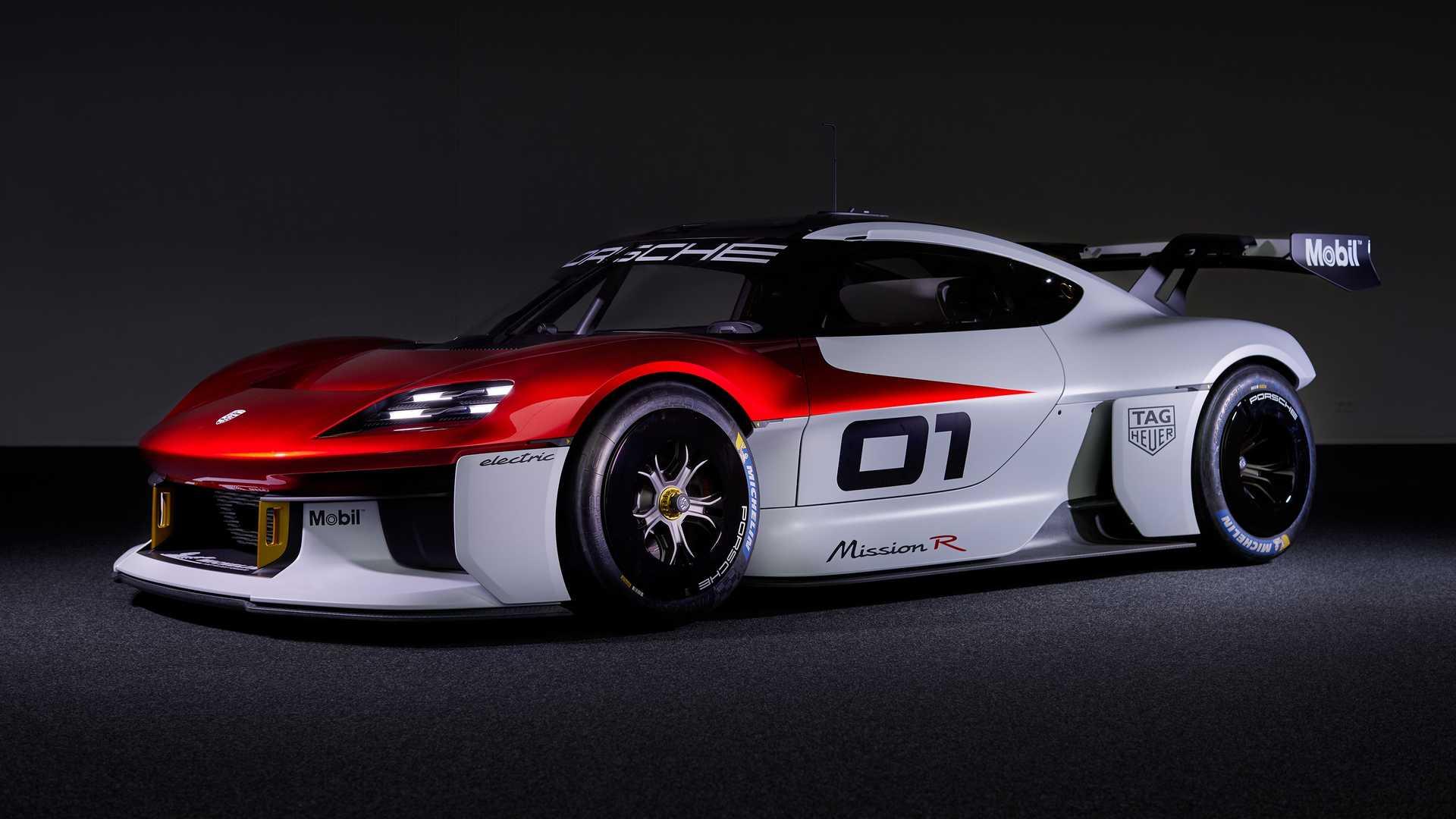 До сих пор остается загадкой, станет ли следующий Porsche 718 батарейным, гибридным или сохранит ДВС без электрических надстроек. Однако издание Car and Driver проливает свет на планы компании: неназванные источники внутри Porsche говорят о том, что в 2024 году мы увидим экологически чистую версию.