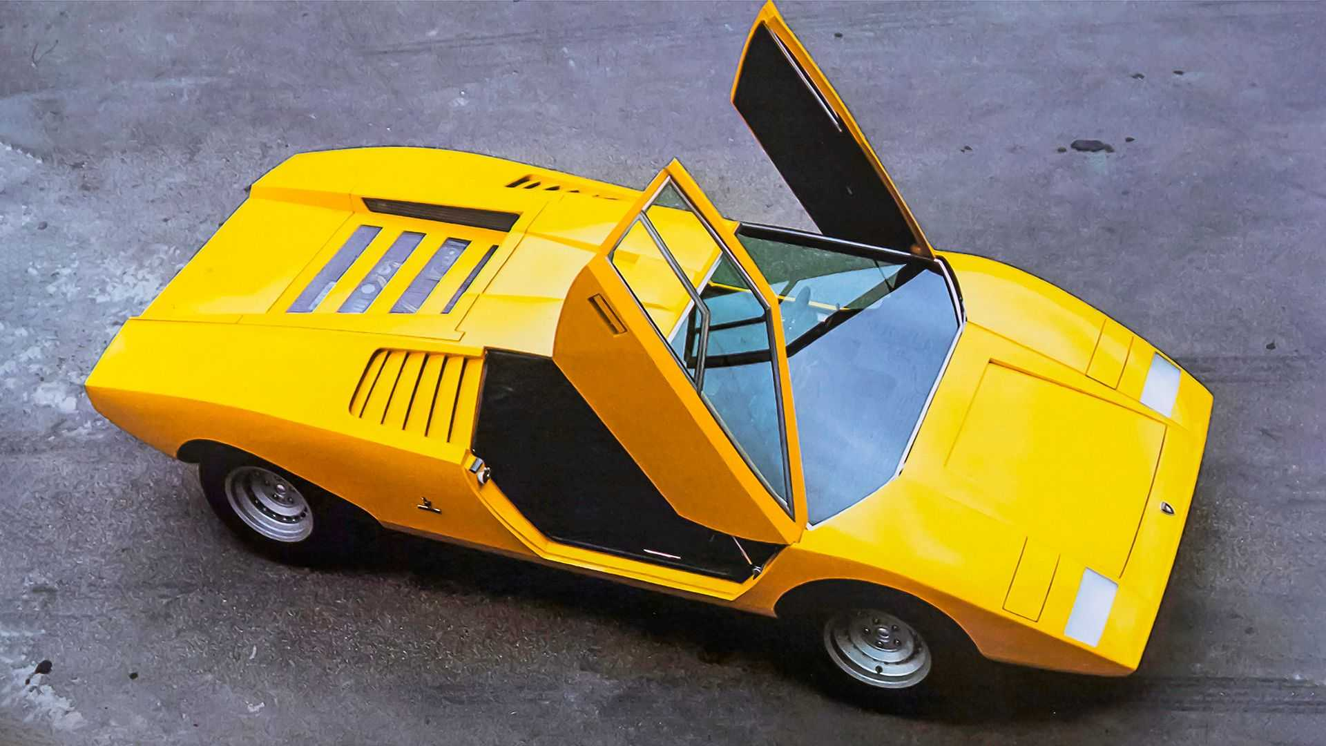 The Italian sports car maker has recently celebrated the 50th birthday of its Countach coupe by unveiling its modern part-electric re-interpretation named the LPI 800-4. However, as the latest video teaser seems to suggest, the company is also working on restoring its first Countach prototype destroyed half a century ago.