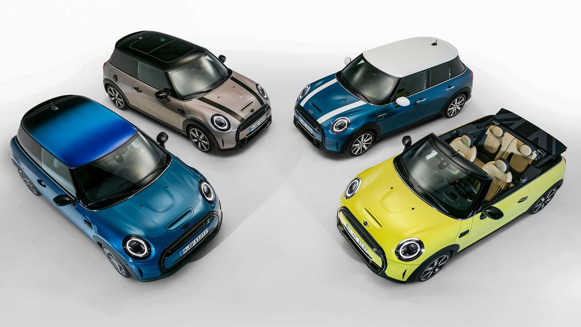 The three-door Mini hatchback has been around since 2013, and Autocar now claims that the next generation is already in its late stages of development, with a premiere scheduled for 2023.