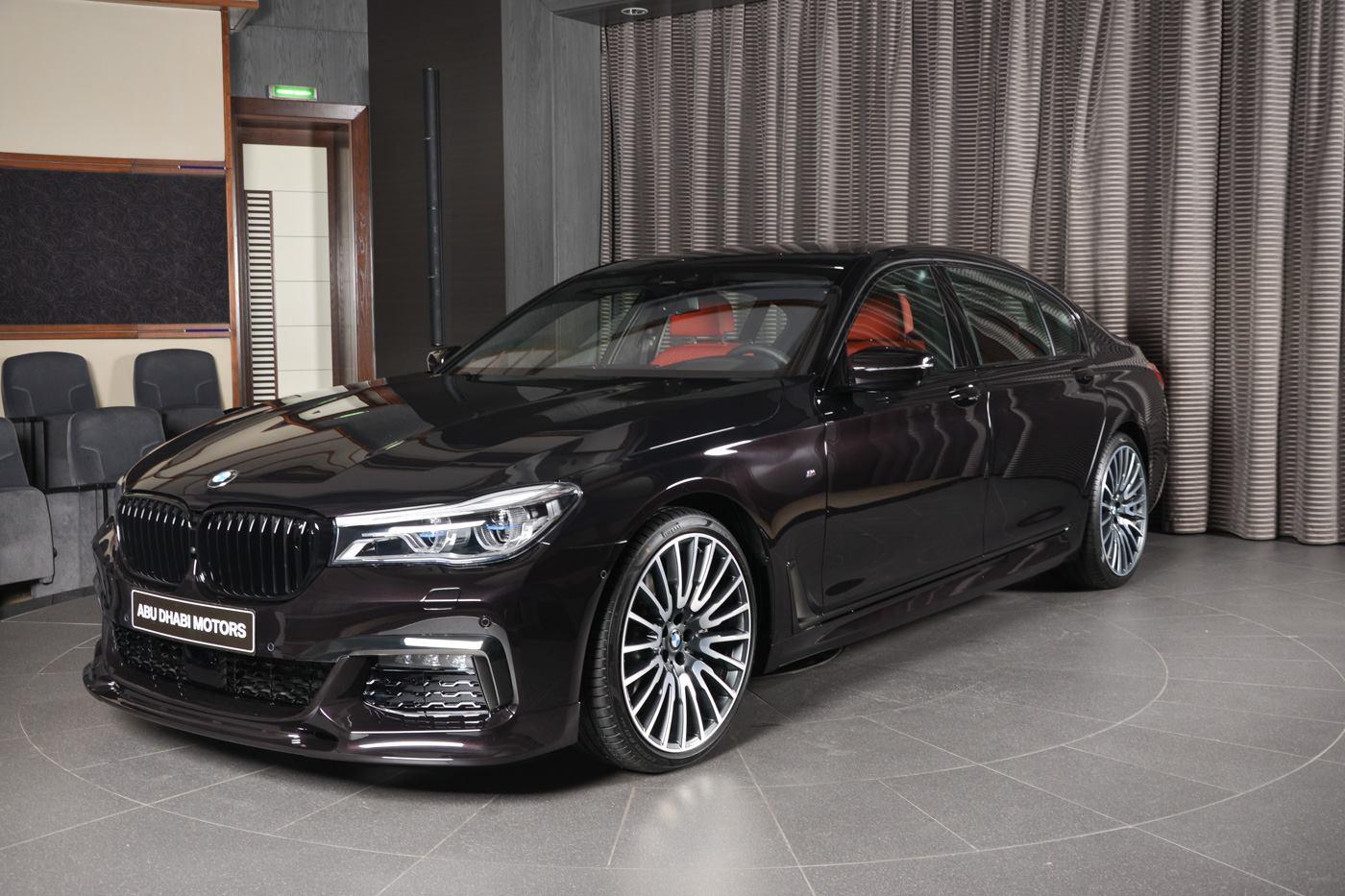 Известный автодилер BMW Abu Dhabi Motors выставил на продажу уникальный экземпляр представительского седана BMW 7 Series