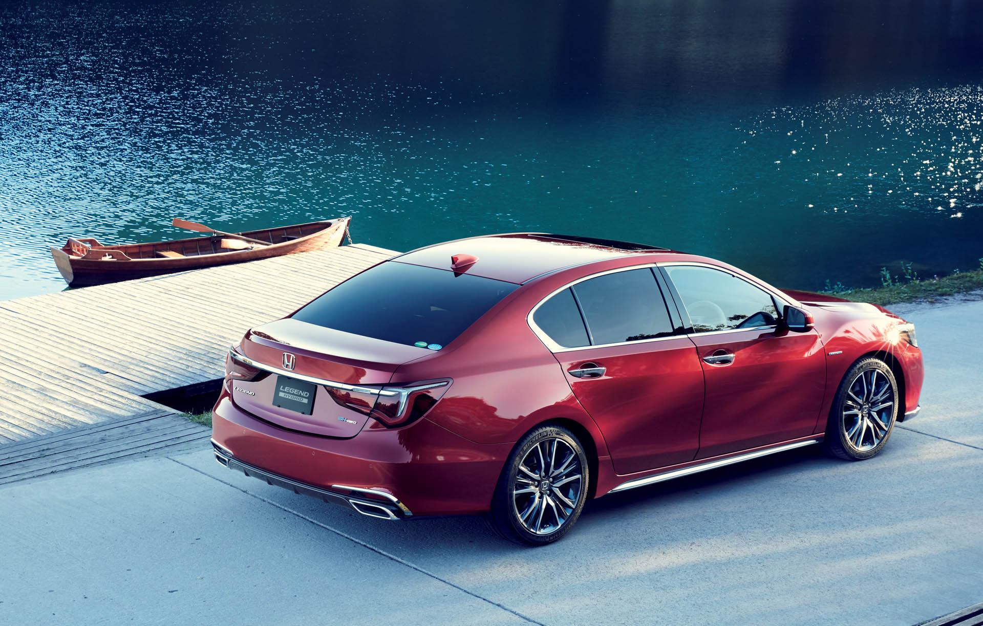 Автопроизводитель Honda официально объявил о старте продаж в Японии новой генерации седана Legend