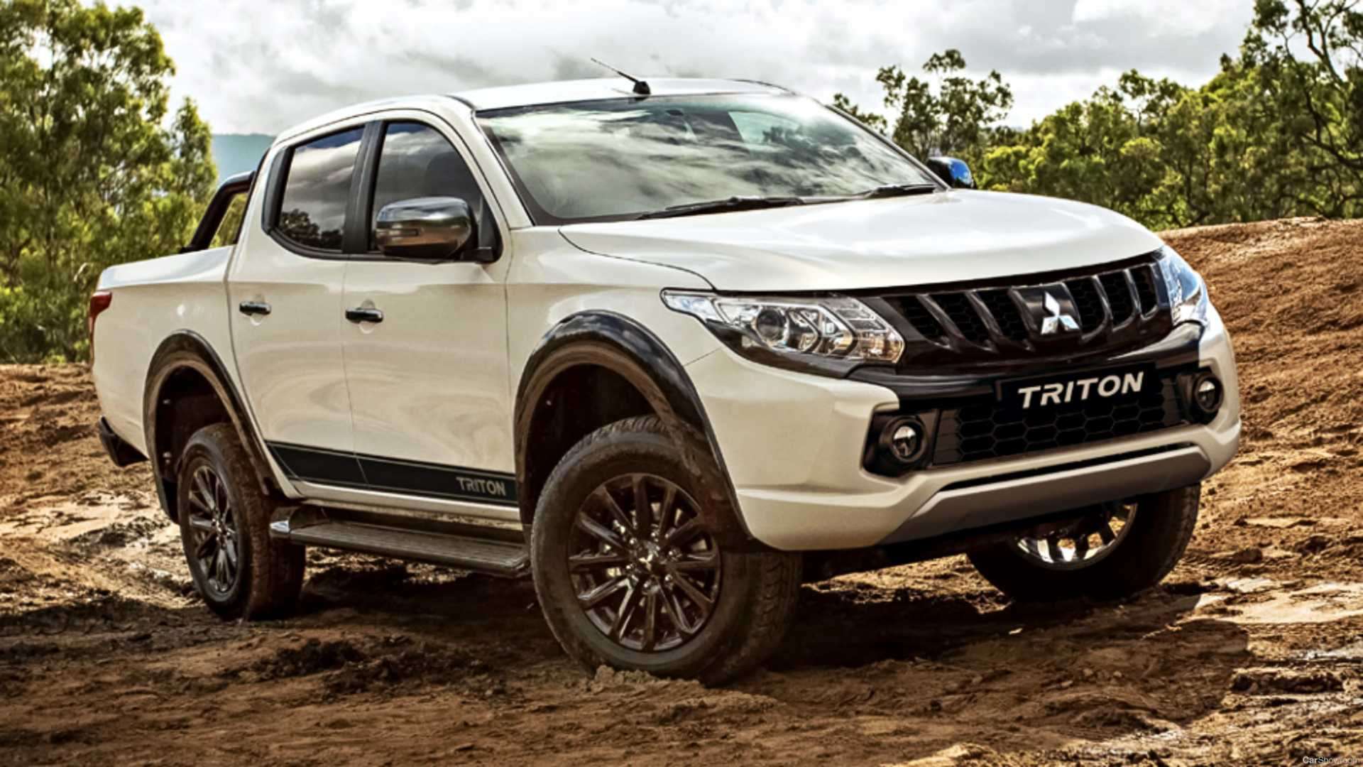 The so-called Mitsubishi Triton Blackline Limited Edition will be offered for what amounts to U.S. $43,490