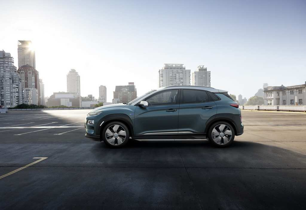 Hyundai Encino, a compact crossover SUV released in other countries under the name of Kona, has gone on sale in China priced between 129,900 and 155,900 Chinese Yuan