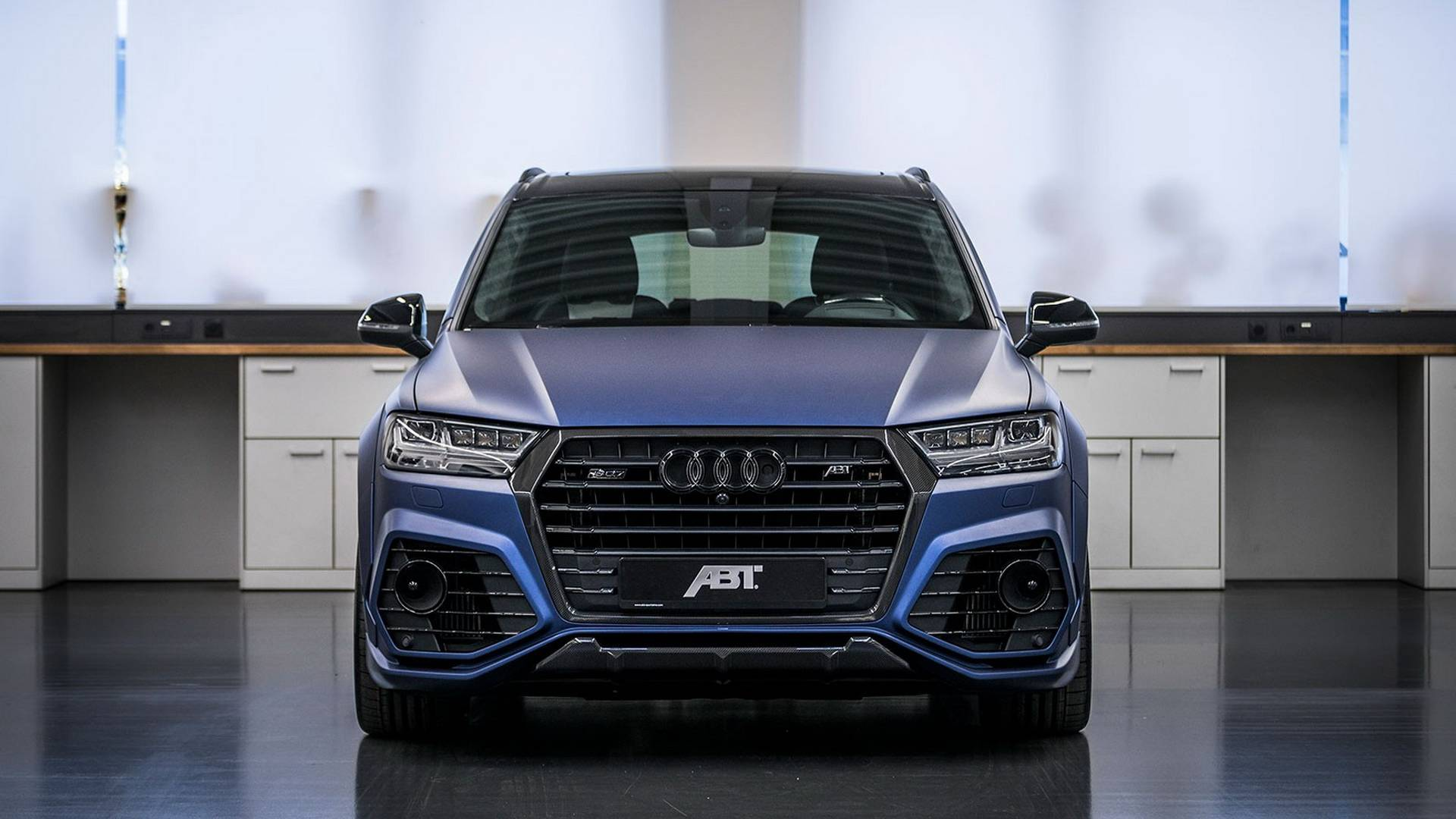 ABT Sportsline plans to issue a total of 10 such Audi SQ7 vehicles, each priced at €216,000 and above