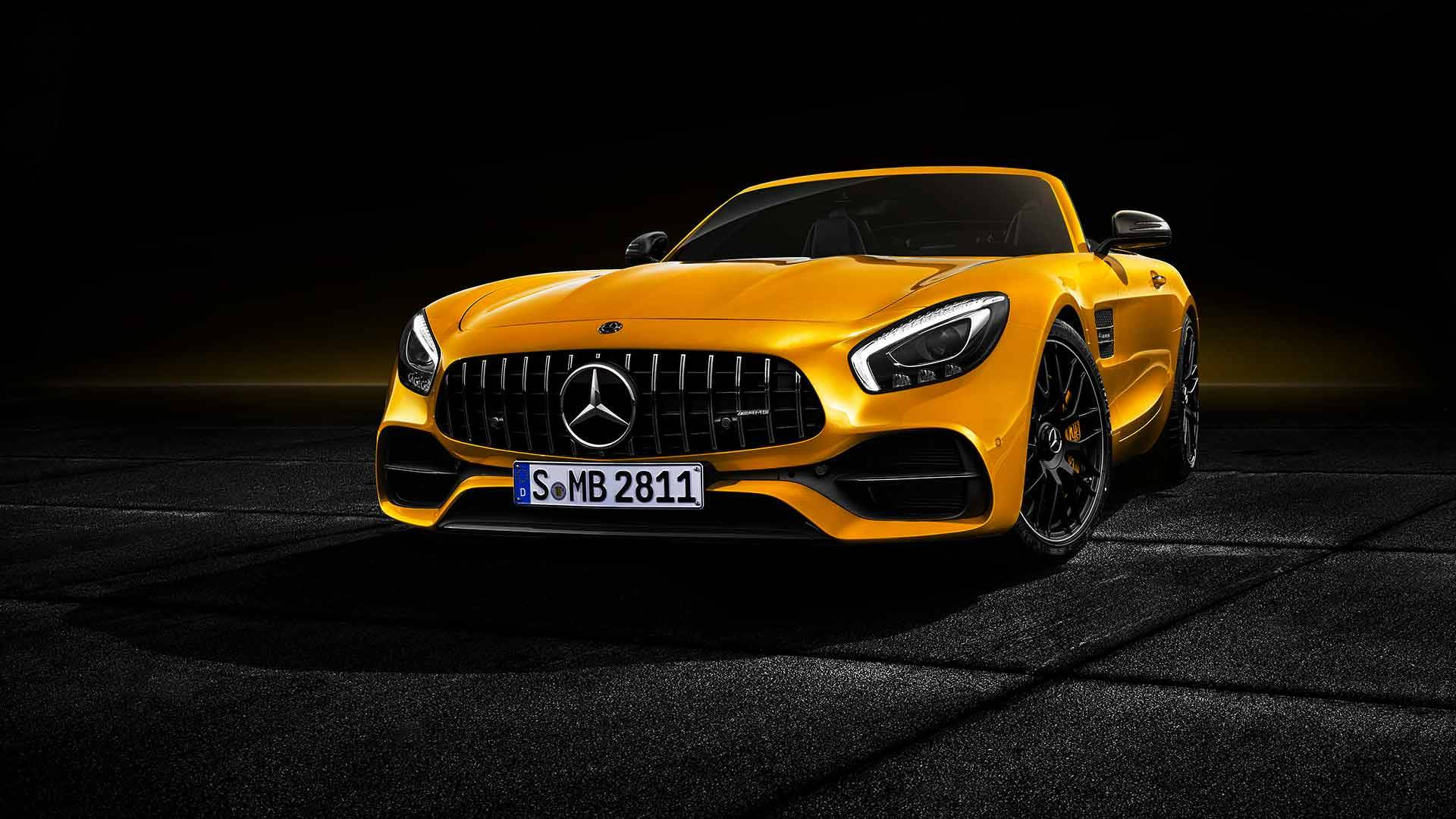 Mercedes-AMG has revealed a new drop-top roadster model, the GT S Roadster, that will go on sale in July 2018 with a potent 4.0-liter V8 engine on board