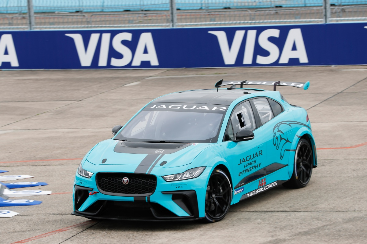 Alejandro Agag, current President of the Formula E championship, has recently taken the racing modification of the Jaguar I-Pace eTrophy battery SUV
