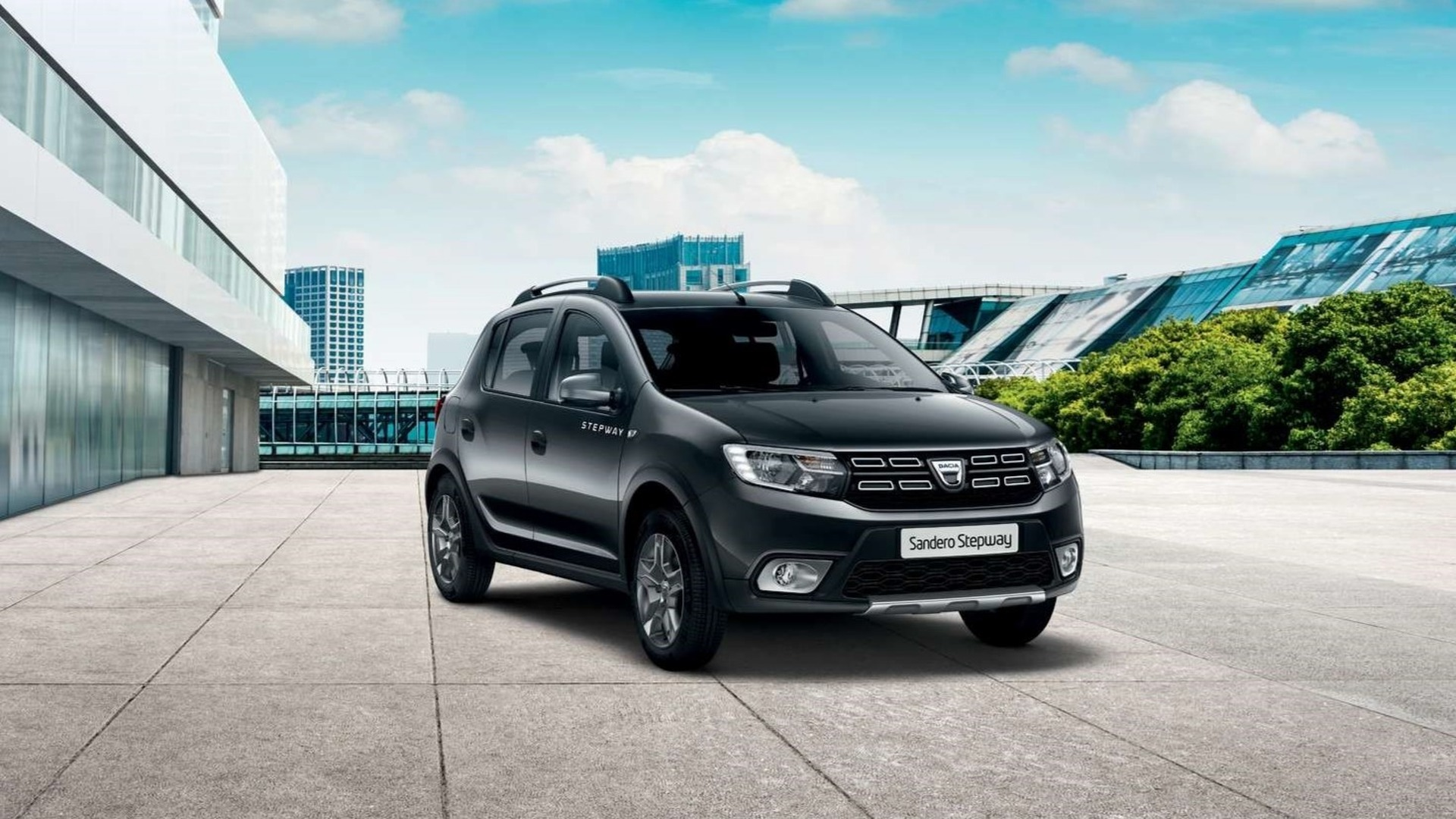 You may pick your own Sandero Stepway Urban for €10,500 at most, which makes it more than €2,500 cheaper than the gas turbo version
