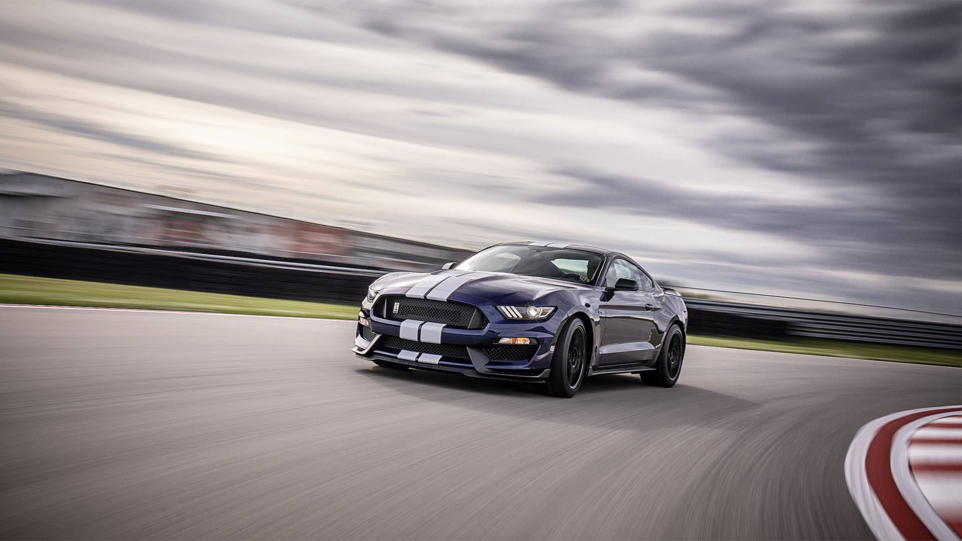 Ford top managers have expressed their hopes that the facelift of the Ford Mustang Shelby GT350 will improve sales of this particular car series