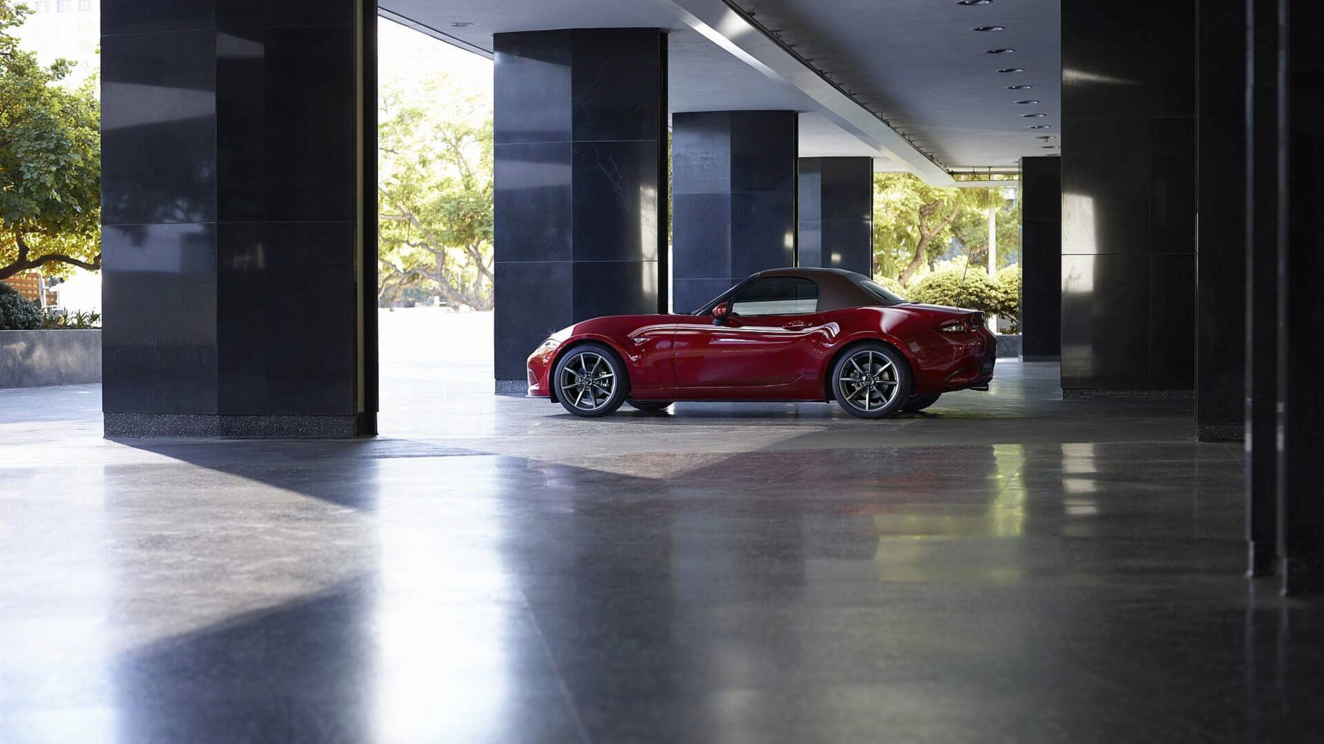 The Japanese car brand Mazda has announced the forthcoming update of the MX-5 roadster series