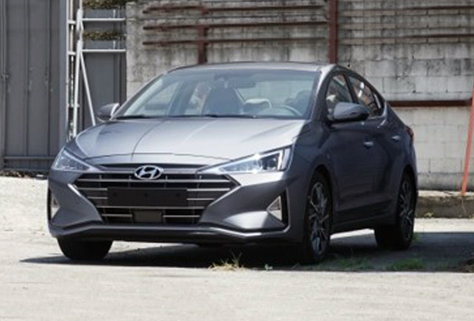 Another portion of photos showing the facelifted Hyundai Elantra sedan series without any kind of concealing film has recently emerged online