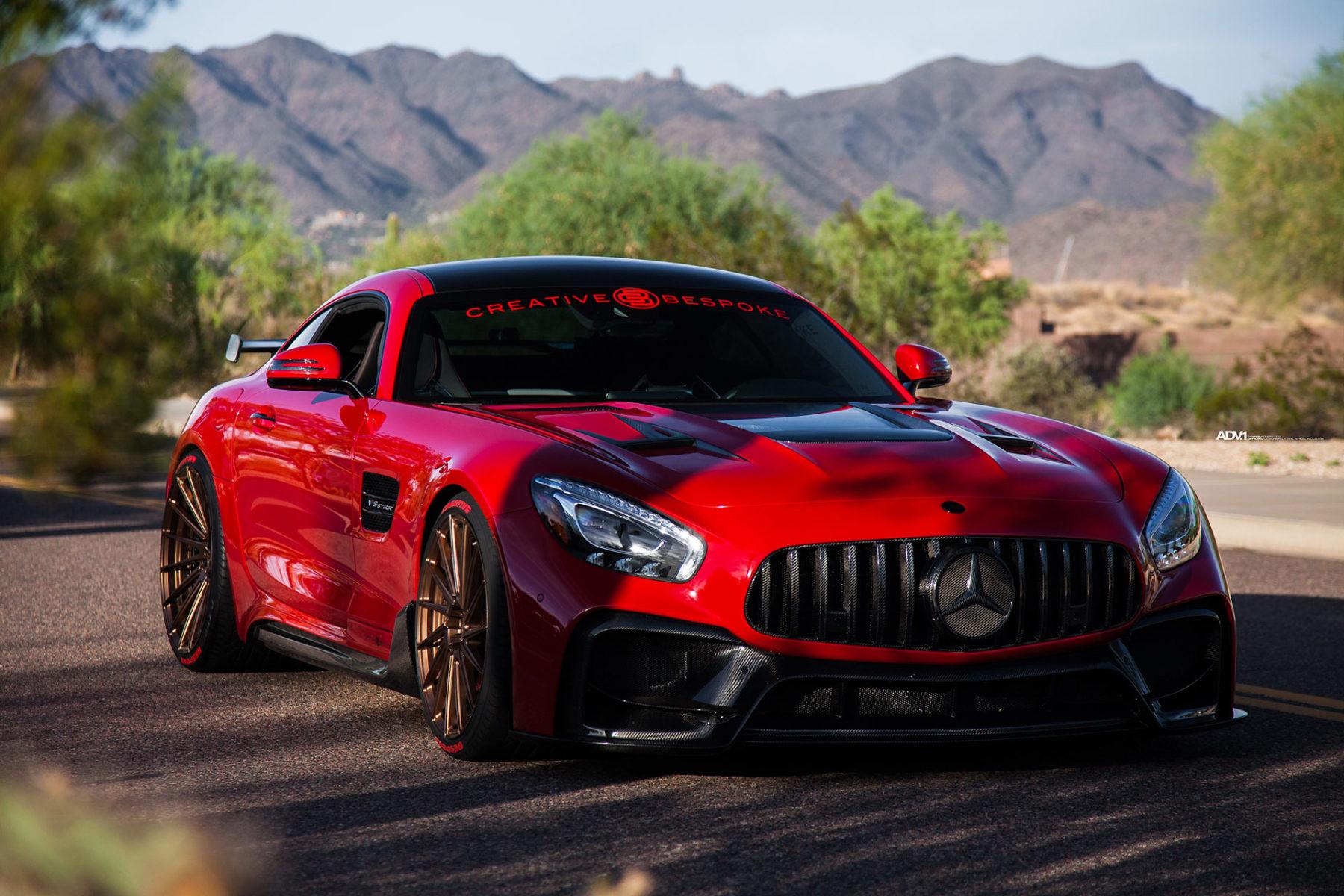 В мастерской Creative Bespoke поставили задачу кардинально изменить спортивное купе Mercedes-AMG GT S и разработали для этого программу глубокой модернизации