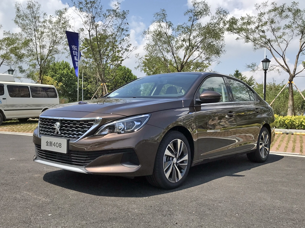 The second generation of Peugeot 408 has been around in China since 2014, and the manufacturer probably thought it was time for a facelift