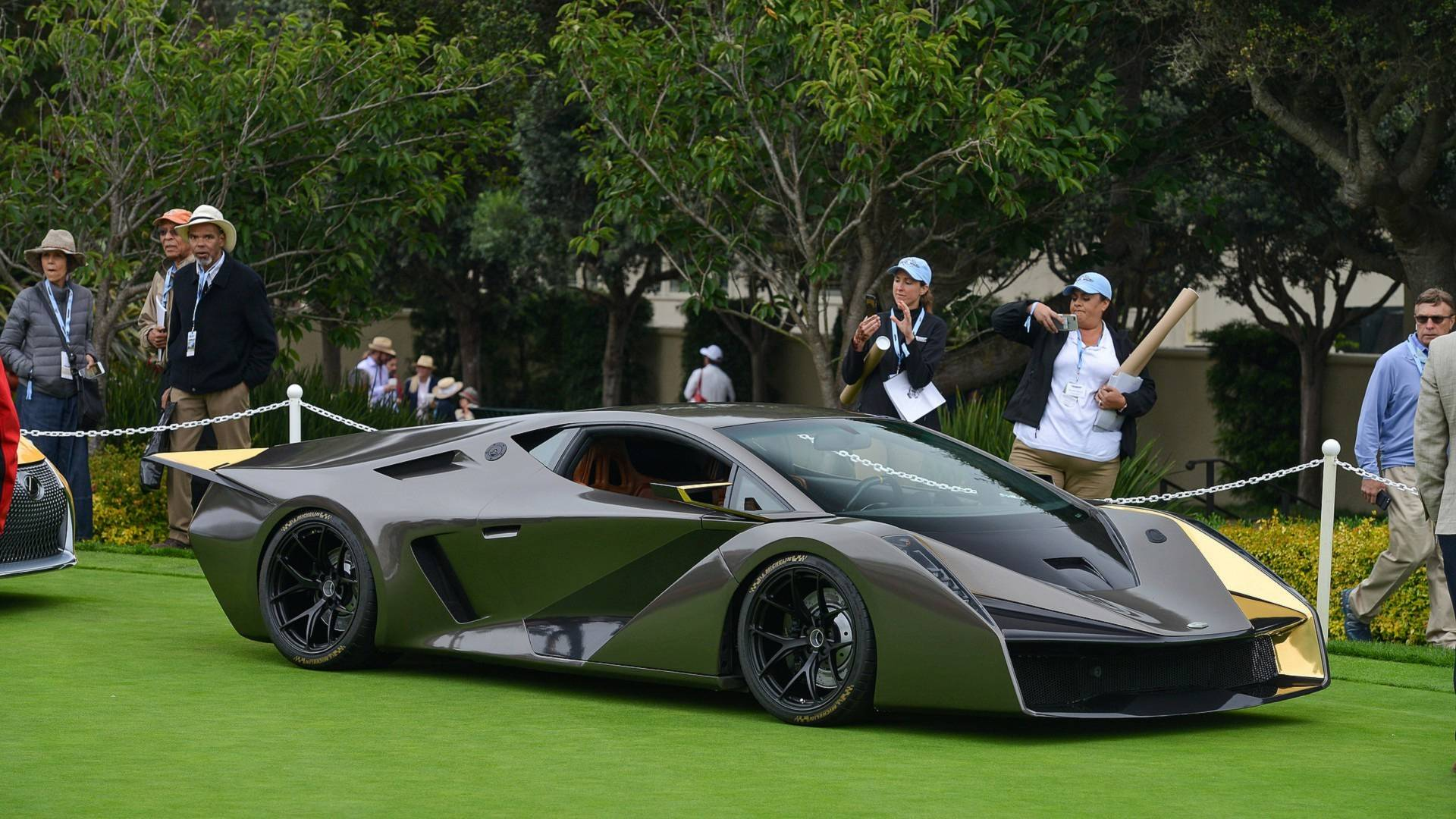 Salaff, a young coachbuilder company founded by Mazda ex-designer Carlos Salaff, has come to the Pebble Beach car show with its first production-ready vehicle, named the C2