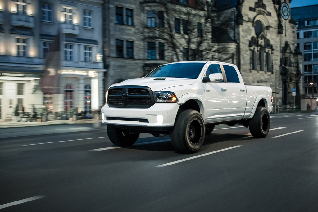 The team GME started with a Dodge RAM 1500 Sport Crew Cab armed with a 5.7L HEMI V8 engine