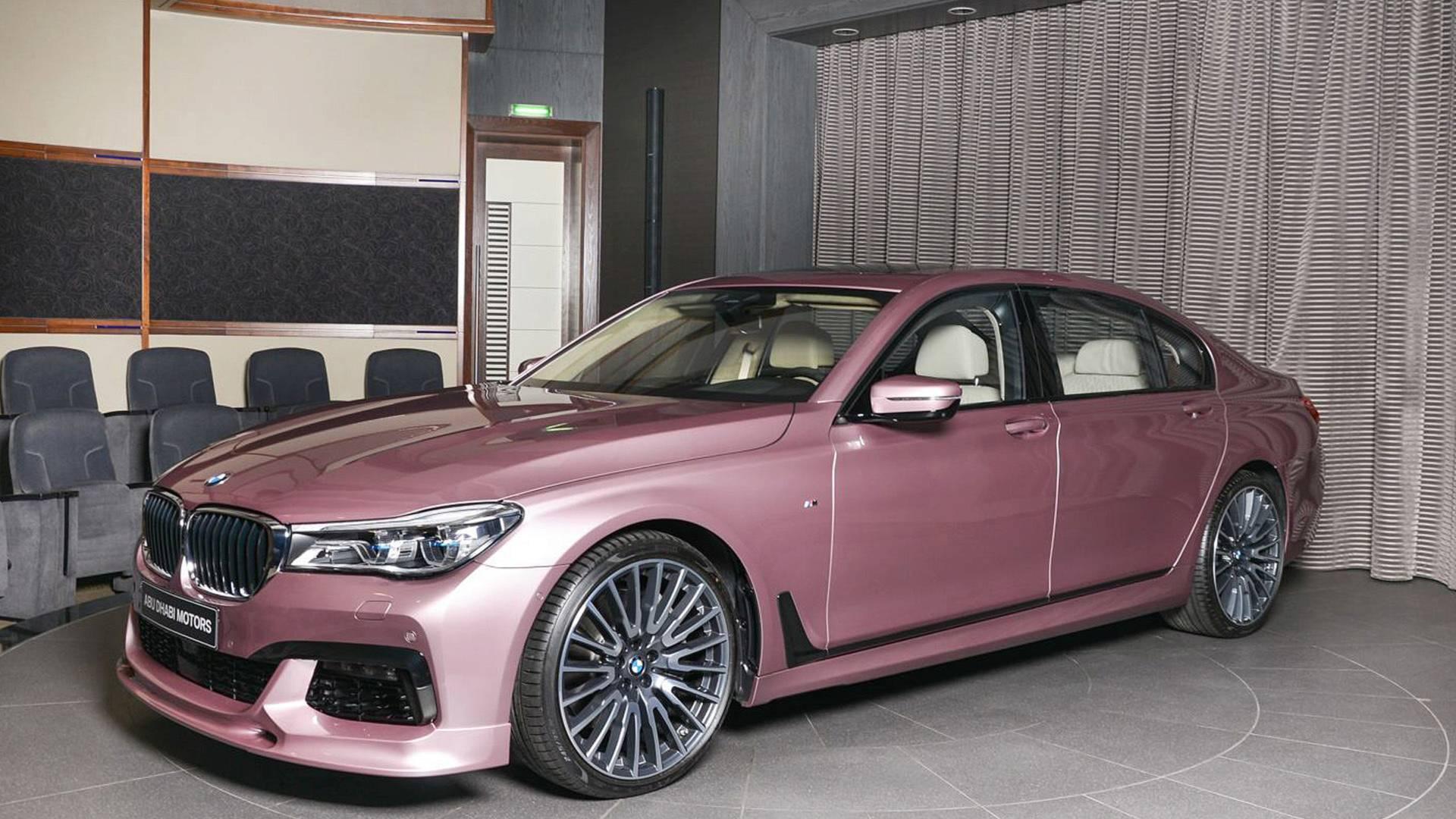 Где еще можно найти самые необычные BMW, как не в салоне BMW Abu Dhabi Motors?